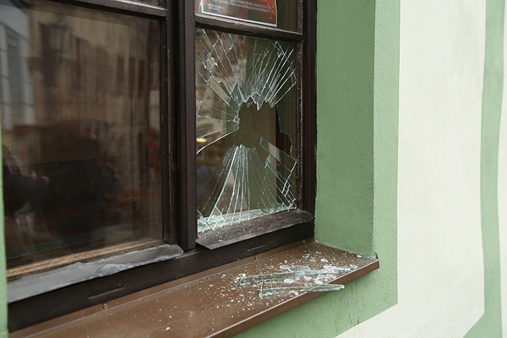 A2B Glass are able to board up broken windows while they are being repaired in Holborn.